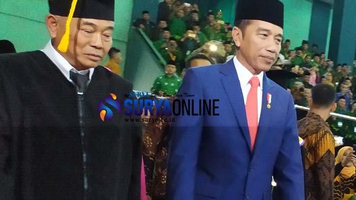 Pengasuh Ponpes Ammanatul Ummah, Kiai Asep, Dikukuhkan sebagai Guru Besar Ilmu Sosiologi UINSA