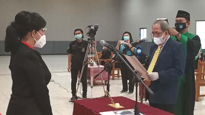 Kampus IIK Kediri kembali Lantik Rektor Berprestasi Muhammad Zainuddin untuk Periode 2021 - 2025