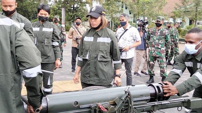 Profil dan Biodata Serda Maria, Prajurit TNI AD Wanita Asli Papua yang Jago Meriam 76 mm Yugoslavia