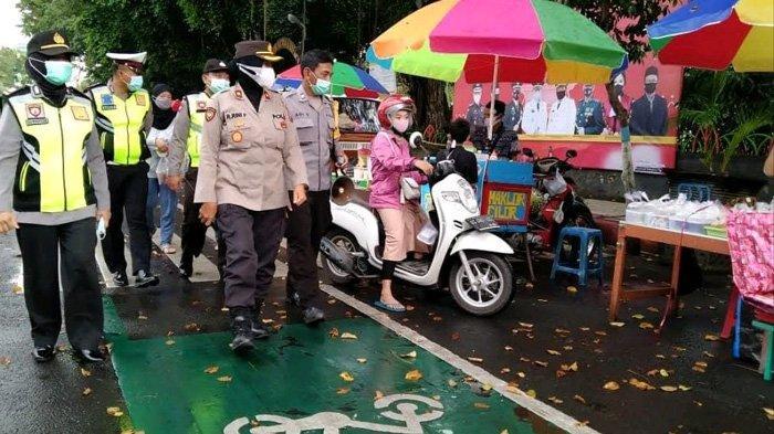 Awasi Pasar Takjil Ramadhan, Satgas Covid-19 Nganjuk Tak Segan Tegur Pelanggar Prokes