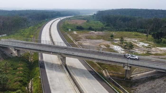 Jalan Tol yang Gunakan Semen Produksi Semen Indonesia Diresmikan Presiden Jokowi