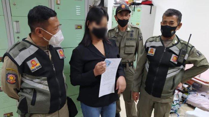 Cewek Sidoarjo Jajakan Diri di Pinggir Jalan Kota Malang, Ini Pengakuannya saat Tertangkap Razia