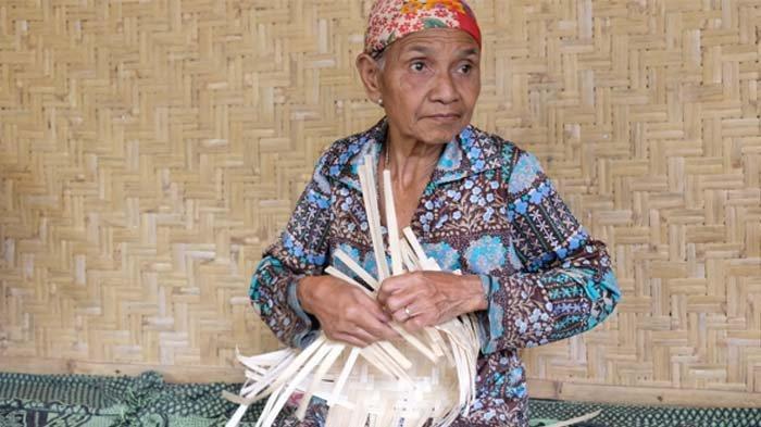 Lestarikan Budaya, PLN Peduli Salurkan Bantuan untuk Desa Perajin Bambu di Banyuwangi