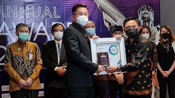 Produk Perkakas Vintage & D-Xplore Raih Penghargaan Indonesia Award Magazine 8.0