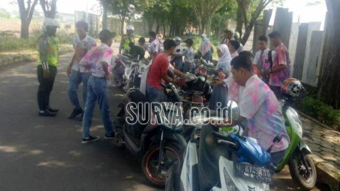 Polisi Bubarkan Konvoi Lulusan Pelajar di Sidoarjo, Mereka Hendak Menuju Trawas