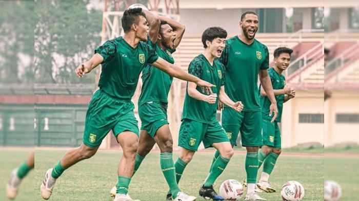 Persebaya Surabaya Siap Luncurkan Jersey Anyar untuk Laga Liga 1 2021-2022
