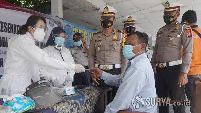 Pengamanan Libur Panjang Nataru, Awak Bus di Terminal Pare Kediri Dites Rapid dan Urine