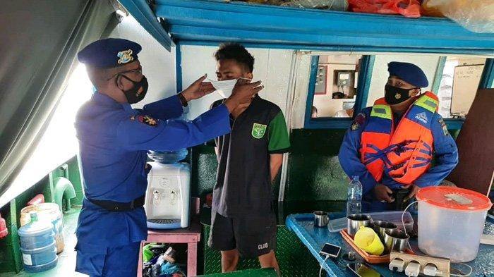 Lancarkan Operasi Yustisi di Atas Laut, Satpolair Polres Bangkalan Temukan Banyak ABK Tak Bermasker