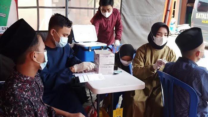 Dibantu Relawan Banyuwangi, 3.200 Warga Divaksin dalam 5 Jam di 2 Titik