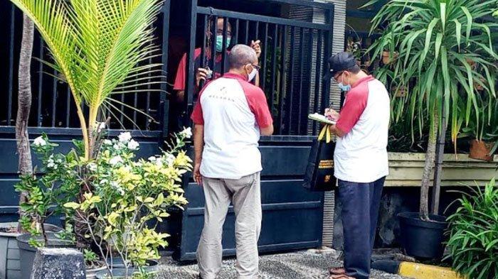 Wujudkan Herd Immunity, Relawan di Rungkut Surabaya Ini Data Warga yang Belum Vaksin