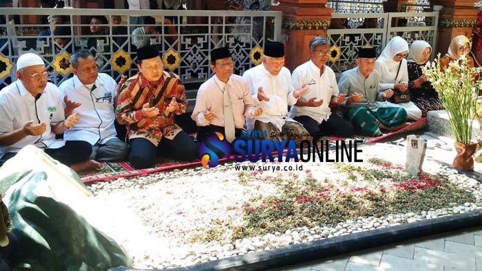 Bacaan Tahlil dan Doa Arwah untuk Ziarah Kubur Jelang Puasa Ramadhan