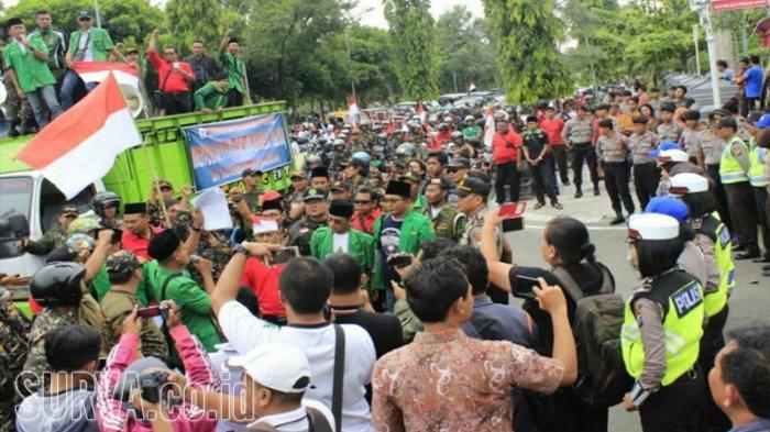 Ribuan Warga Ngawi Demo Menuntut Pembubaran FPI dan HTI