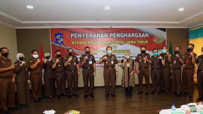 Berita Surabaya Hari ini Populer: Penghargaan dari Wali Kota Risma dan Kasus COVID-19 Capai 8.553