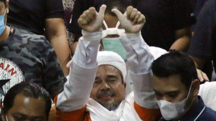 Hari Ini Sidang Rizieq Shihab Digelar Virtual, Simpatisannya malah Berdatangan di PN Jaktim
