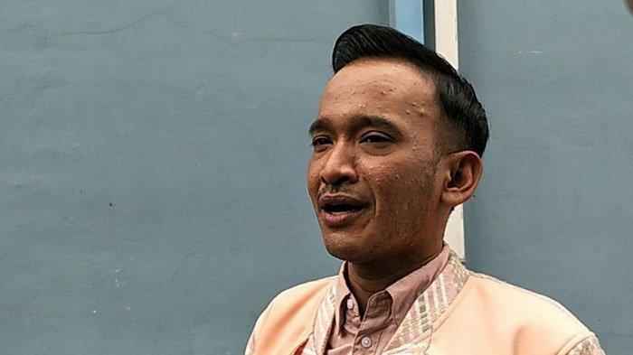 Perjuangan Ruben Onsu Lanjutkan Kuliah, Jadwal yang Padat Sampai Ikut Ujian Susulan
