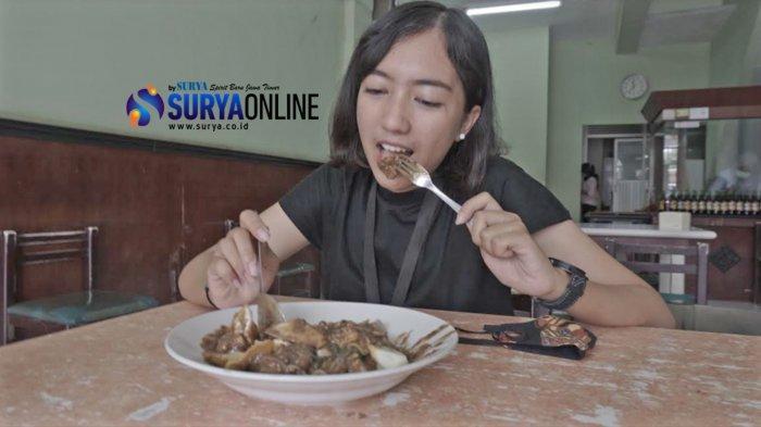Menikmati Rujak Cingur Delta Surabaya, Pesan Offline-Online Sama Enaknya!