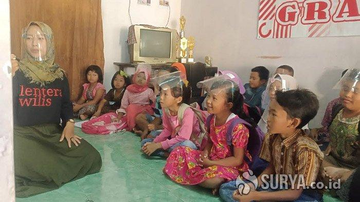 Keren, 15 Pemuda Dirikan Rumah Baca di Lereng Gunung Wilis untuk Meningkatkan Literasi Anak-anak