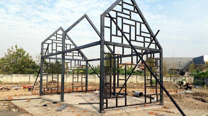 DKRTH Pasang Rumah Mozaik sebagai Ikon Taman Mozaik di Surabaya Barat