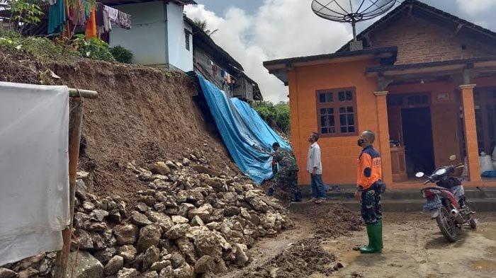 Tanah Longsor di Dua Titik Ancam 2 Rumah Warga di Trenggalek, Kerugian Puluhan Juta Rupiah