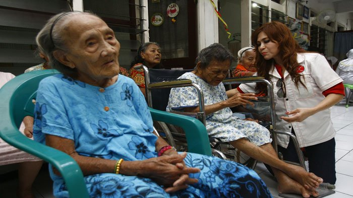 Jelang Natal, Kerukunan Keluarga Sulawesi Utara Jatim Berbagi Kebahagiaan