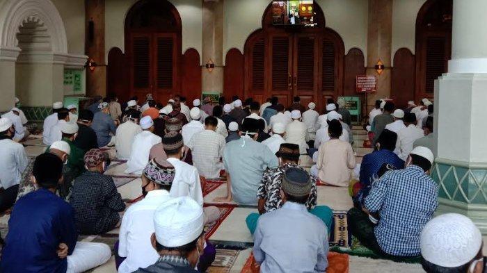 Pengurus Masjid Jami' Malang Beber Alasan Tetap Menggelar Salat Idul Fitri