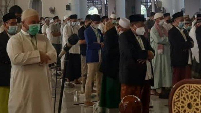 4.800 Jamaah Mengikuti Salat Idul Fitri di Masjid Al Akbar Surabaya