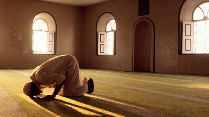 Niat Salat 5 Waktu Berikut Tata Cara dan Doa-doa yang Dibaca dalam Bahasa Arab dan Terjemahan