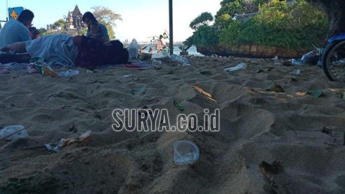 Pantai Balekambang Kabupaten Malang Dibuka Kembali, Wisatawan Komentari Sampah yang Berserakan