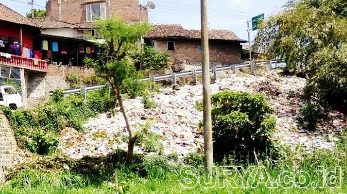 Gunung Sampah di Jalan Menuju Telaga Sarangan Sangat Menjijikkan!