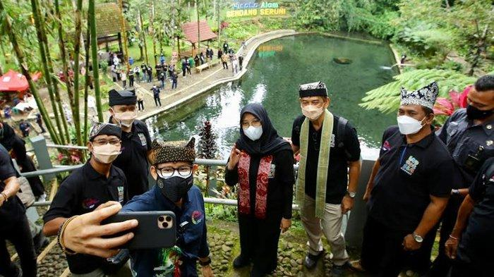 Ke Desa Wisata Bareng Bupati Ipuk, Menteri Sandiaga Uno Yakin Wisata Banyuwangi Bangkit
