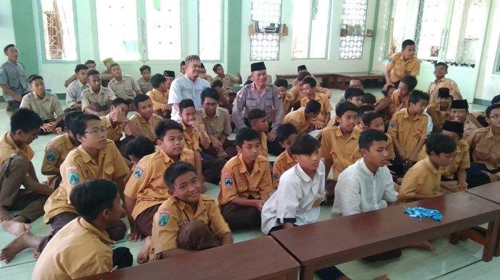Di Pondok Manarul Qur'an Paciran Lebih Aman Sekolah Tidak Diliburkan