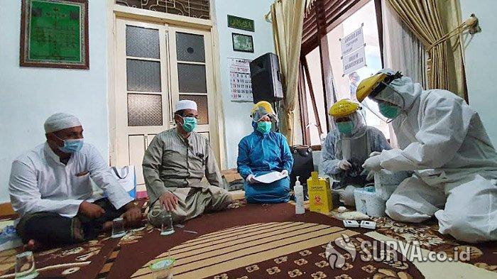 Satgas Covid-19 Kota Pasuruan Semprot Masjid Jami dan Rapid Test Keluarga Habib Hasan