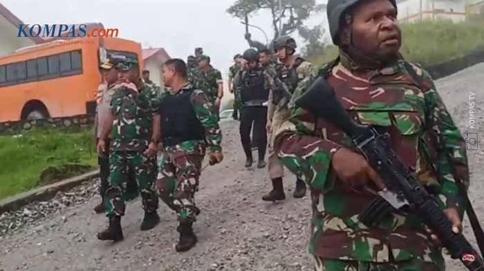 Kisah Tragis 2 Prajurit TNI, Siang Tadi Gugur Dikeroyok 20 Orang, saat Jaga Pagar Bandara Yahukimo