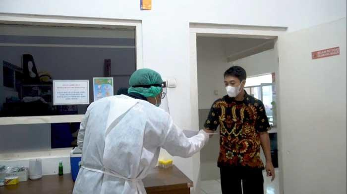 Polres Kediri Beri Vaksin Covid-19 Gratis kepada Pemohon SIM
