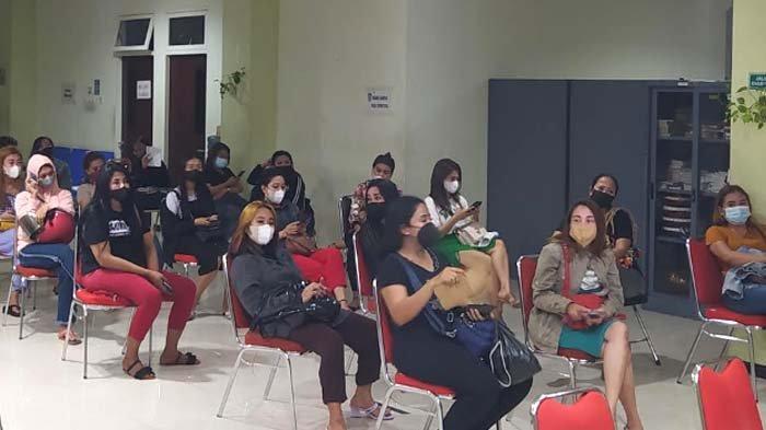 Nekat Buka saat Pandemi, Puluhan Pemandu Lagu di Surabaya Diamankan Satpol PP, Berkedok Depot&Resto;