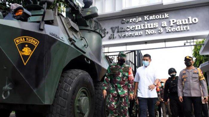 Panser Anoa Jaga Gereja Amankan Perayaan Paskah di Kota Kediri