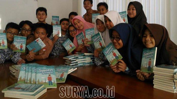 Alumni SD Muhammadiyah 26 Tulis Buku Kumpulan Cerita untuk Adik Kelas, Isinya tentang ini
