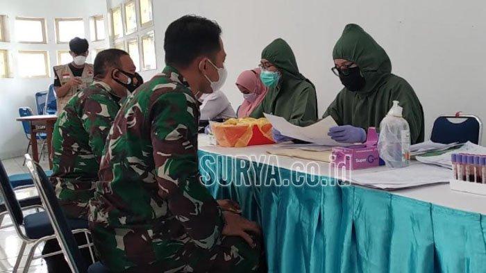 Puluhan Prajurit TNI Ikuti Screening Donor Plasma Konvalesen di RS Lapangan Indrapura Surabaya
