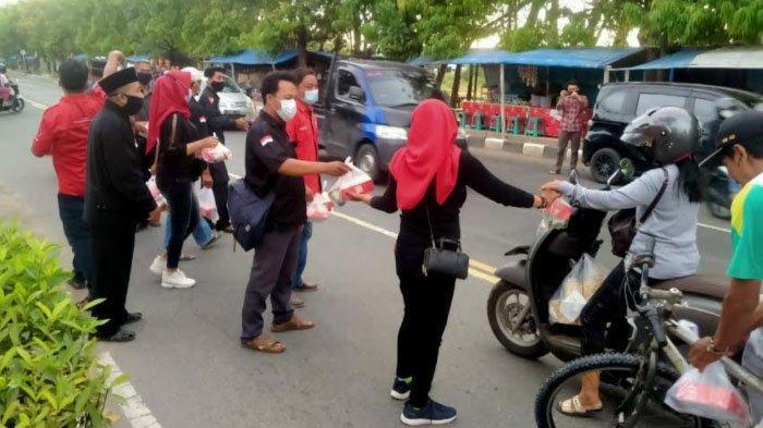 DPC PDI Perjuangan Tuban Ajak Kader Berbagi diBulan Suci Ramadan 2021