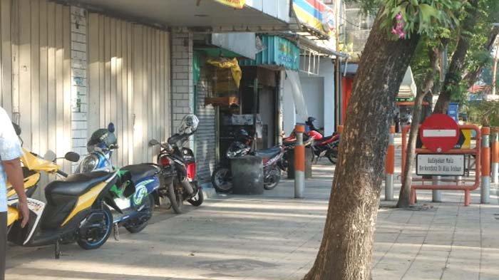 Dishub Surabaya Izinkan Parkir di Bahu Jalan, di Trotoar akan Ditindak