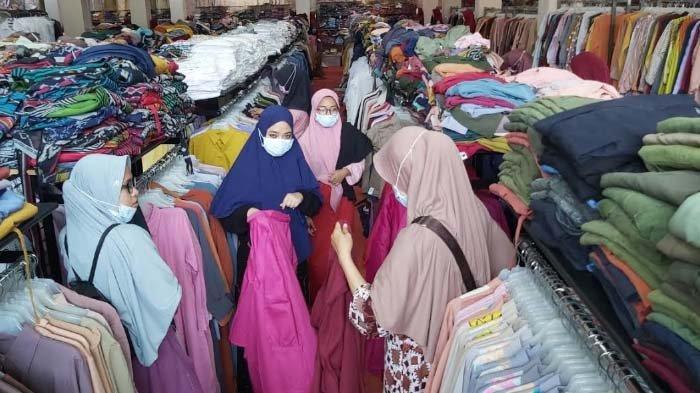 Jelang Lebaran 2021, Penjualan Baju Muslim di Sidoarjo kembali Bergeliat