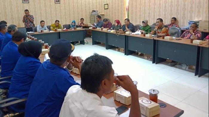 Berbagai Persoalan Para Nelayan Lamongan yang Diungkapkan kepada Komisi B DPRD