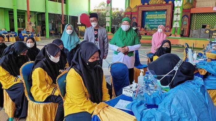 Wujudkan Herd Immunity, 490 Santri Ponpes KHA Wahid Hasyim Bangil Pasuruan mulai Divaksin Dosis I
