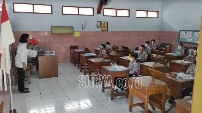 Pantau Pembelajaran Tatap Muka Hari ke-3 di Kota Blitar, Dindik Minta Sekolah Sediakan Ruang Isolasi