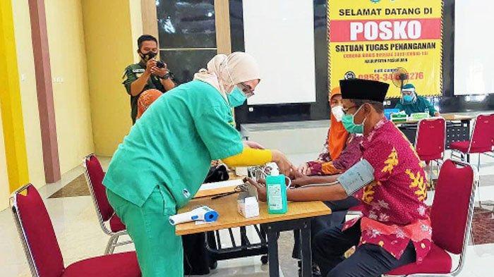 17 Pejabat, Tokoh Agama, Masyarakat, dan Nakes Kabupaten Pasuruan Siap Disuntik Vaksin
