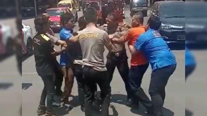 Viral di Medsos, Video Sekelompok Pria Berseragam Diduga LSM Bikin Ricuh di Polresta Banyuwangi