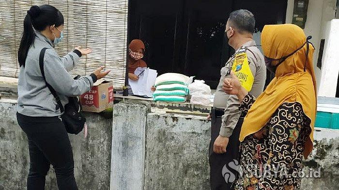 Pemkot Kediri Bagikan Paket Sembako Kepada Warga Isolasi Mandiri Karena Covid-19