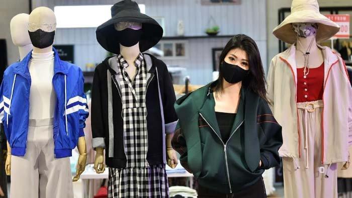 Tips Padu Padan Outfit selama Adaptasi Tatanan Baru ala Desainer Ariella Devina