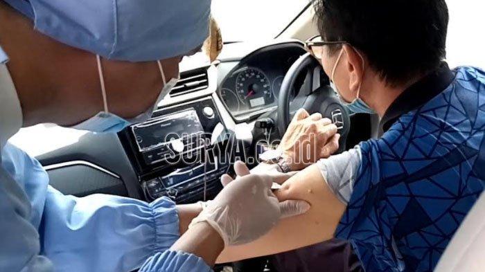 RS Bhayangkara Tulungagung Menyediakan Layanan Vaksinasi Drive Thru untuk Manula