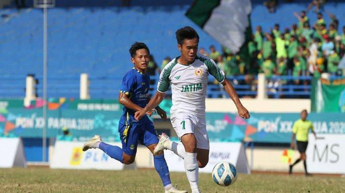 Hasil Skor Sepak Bola PON XX Papua 2021 - Jatim Ditahan Imbang Jabar di Babak Pertama